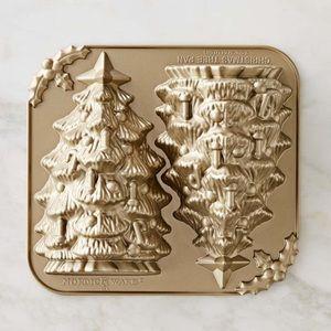 William Sonoma Christmas tree pan